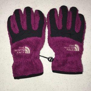 The North Face girls magenta gloves sz medium